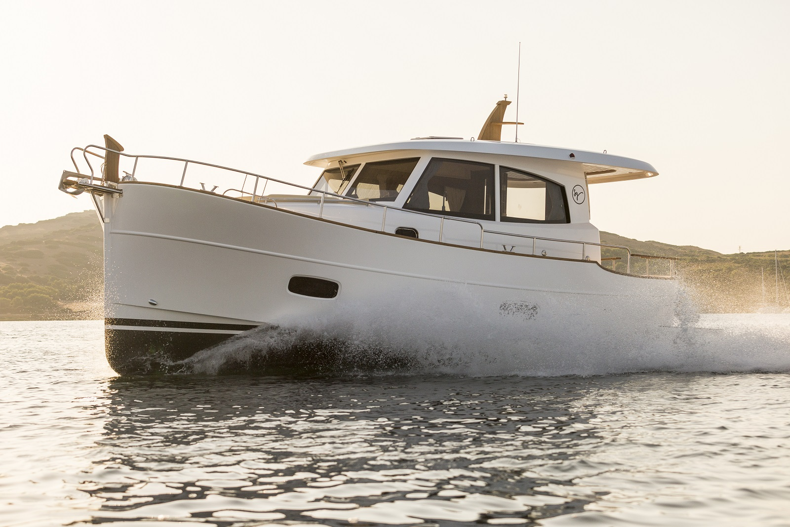 Minorca Yachts - view new yacht line