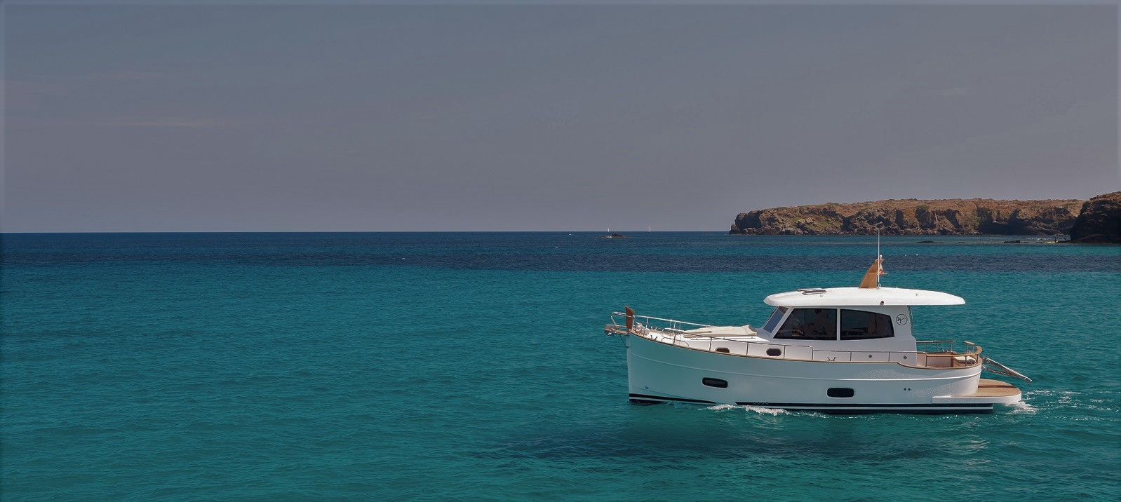 Minorca Islander 34 for sale - profile