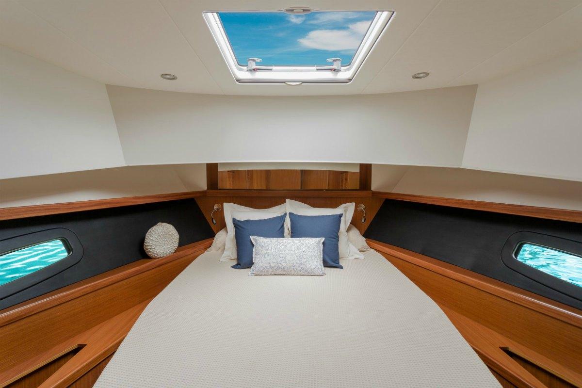 Minorca Islander 42 yacht for sale - Master Cabin
