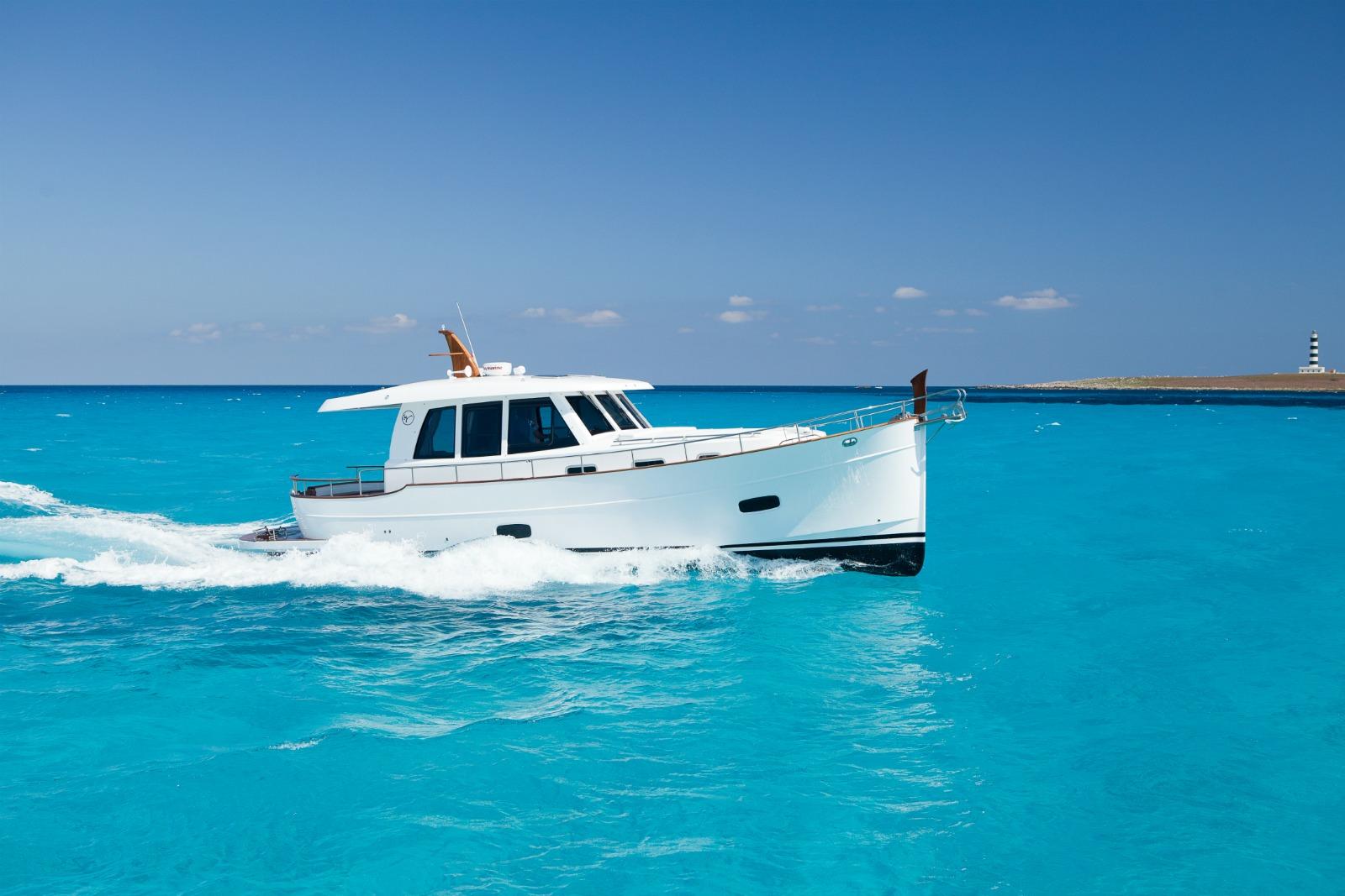Minorca Islander 42 yacht for sale - underway