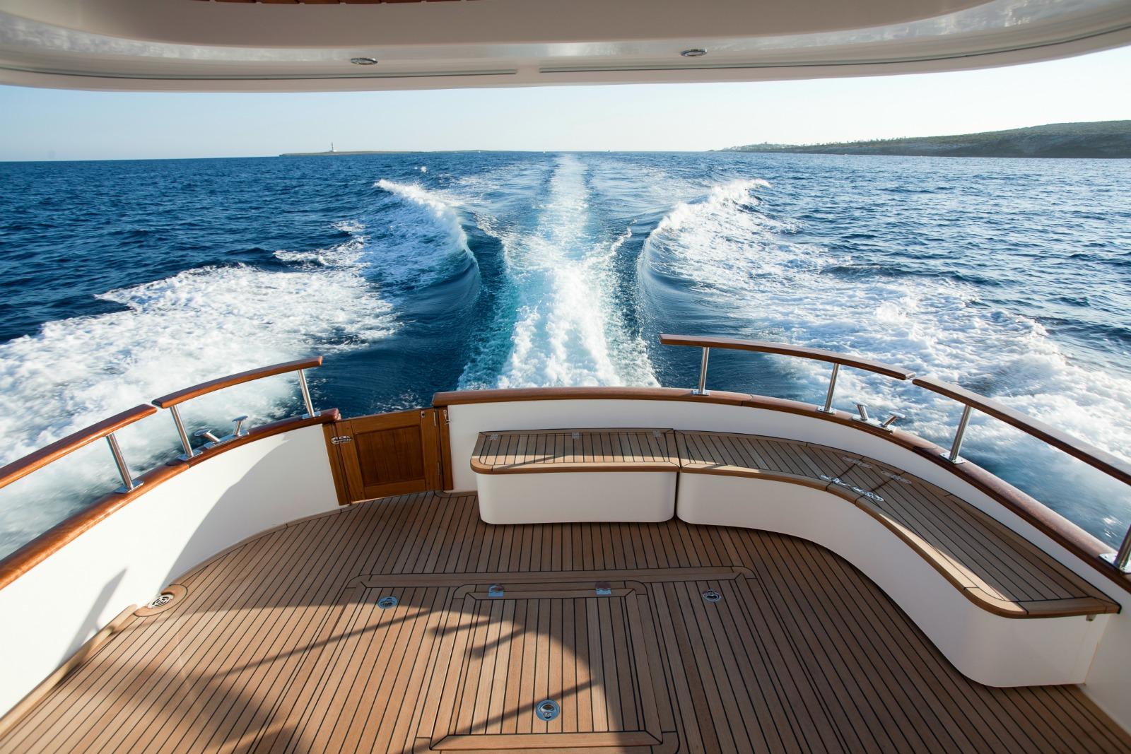 Minorca Islander 42 yacht for sale - Aft Deck