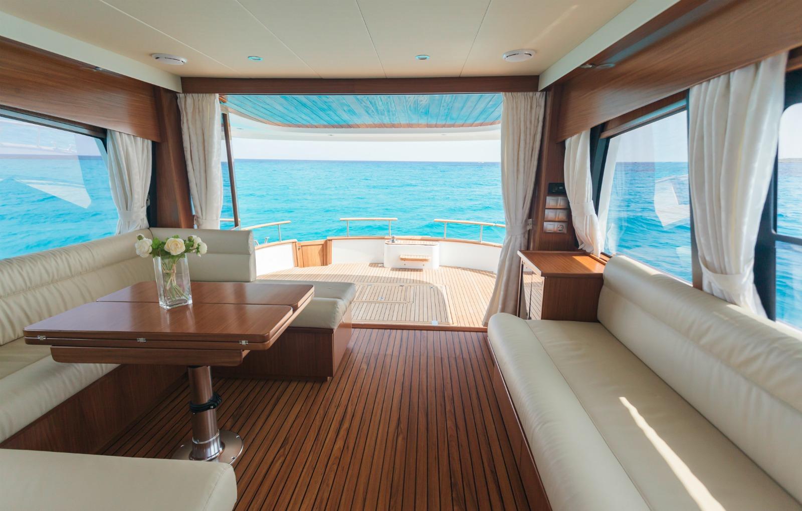 Minorca Islander 54 flybridge yacht for sale
