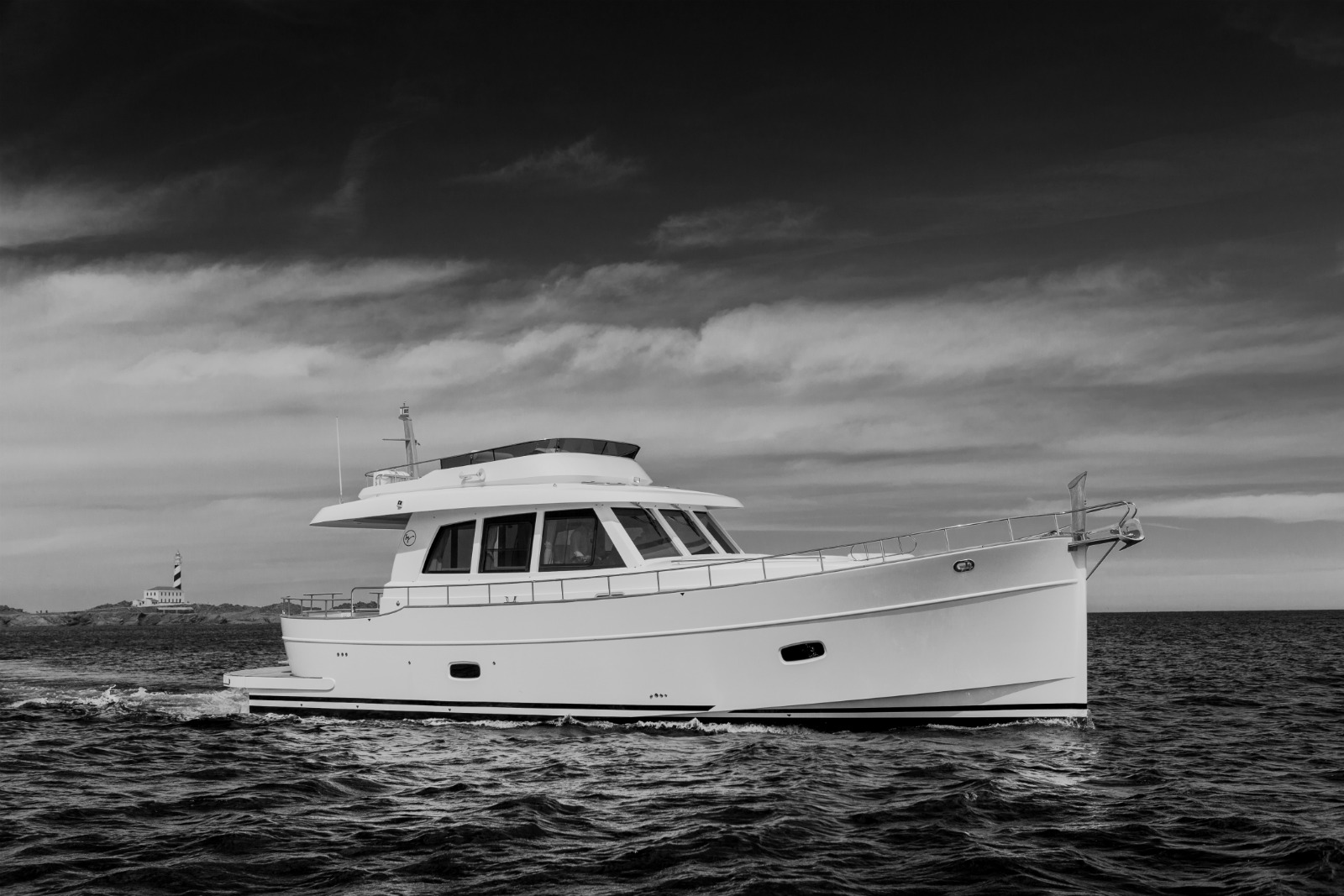 Minorca Islander 54 flybridge yacht for sale