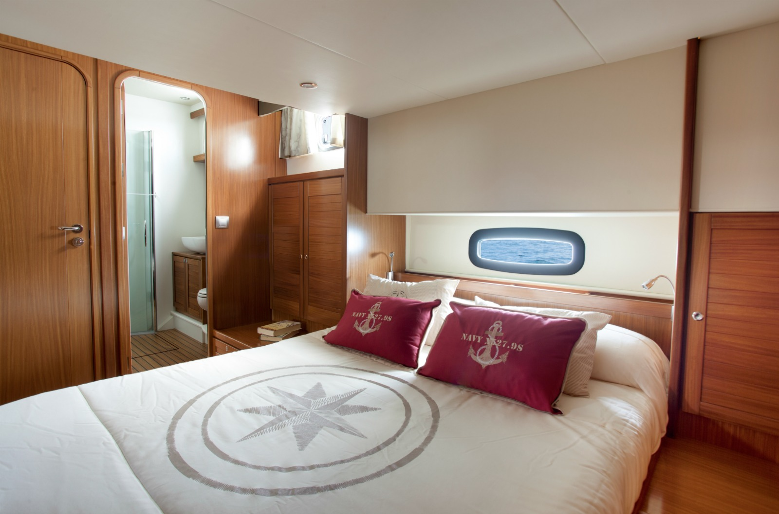 Minorca Islander 54 yacht for sale - Master Stateroom